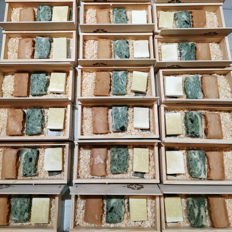 Conjunto 3 Sabões com caixa de madeira